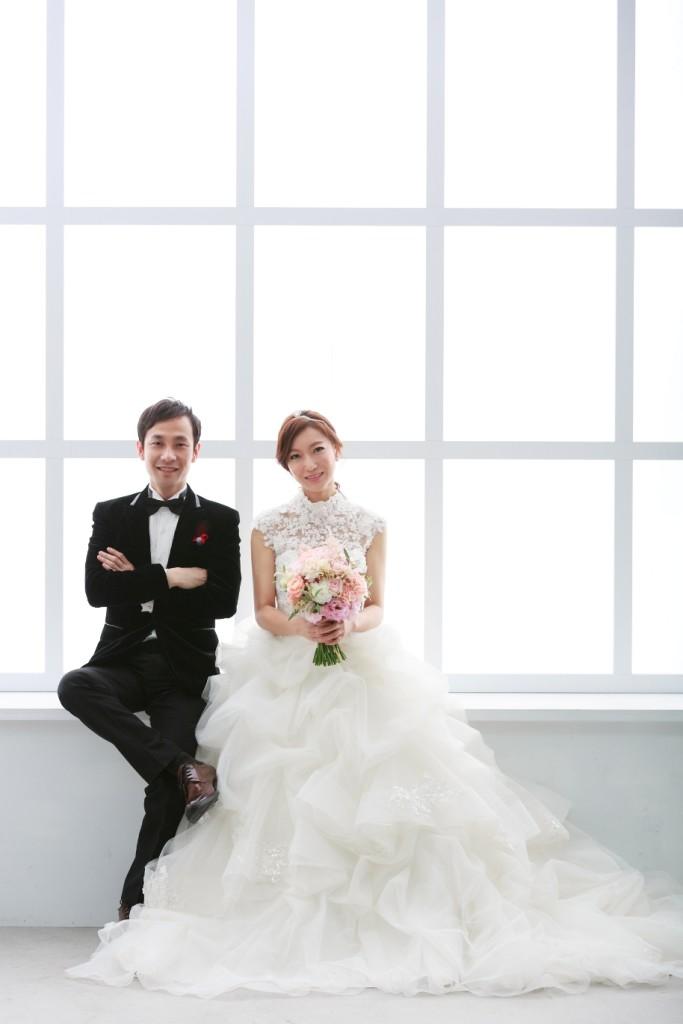 高鐵婚紗,十大新秘,性感風格造型,時尚廣告造型,新娘鳳冠配件,婚顧推薦新秘,媒體報導彩妝師