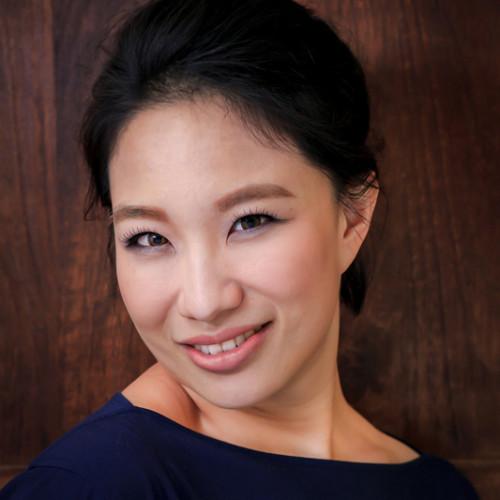 NadiaLee彩妝造型講座--輕鬆妝點自己的美