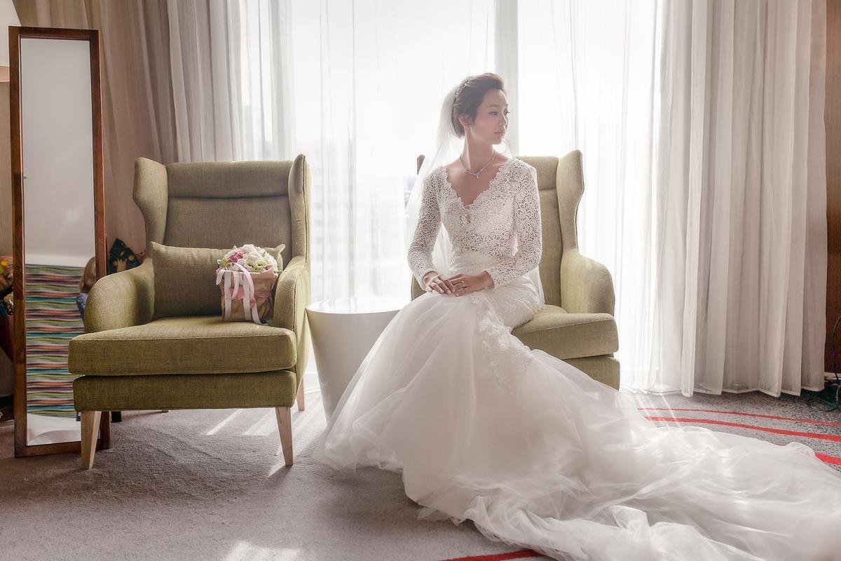 優雅氣質新娘,蕾絲白紗,皇冠造型,大峽谷求婚MV,韓風底妝,部落客推薦新秘