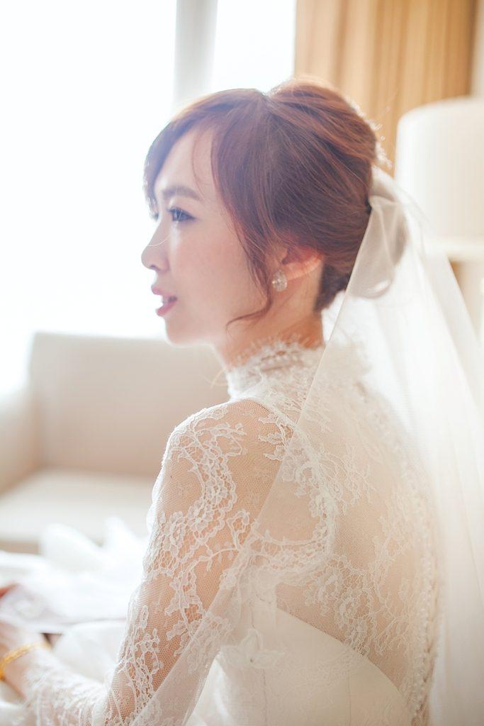 時尚婚紗,新秘推薦,歐風蕾絲白紗,歐美彩妝,美式婚禮,游泳池婚禮,戶外婚禮