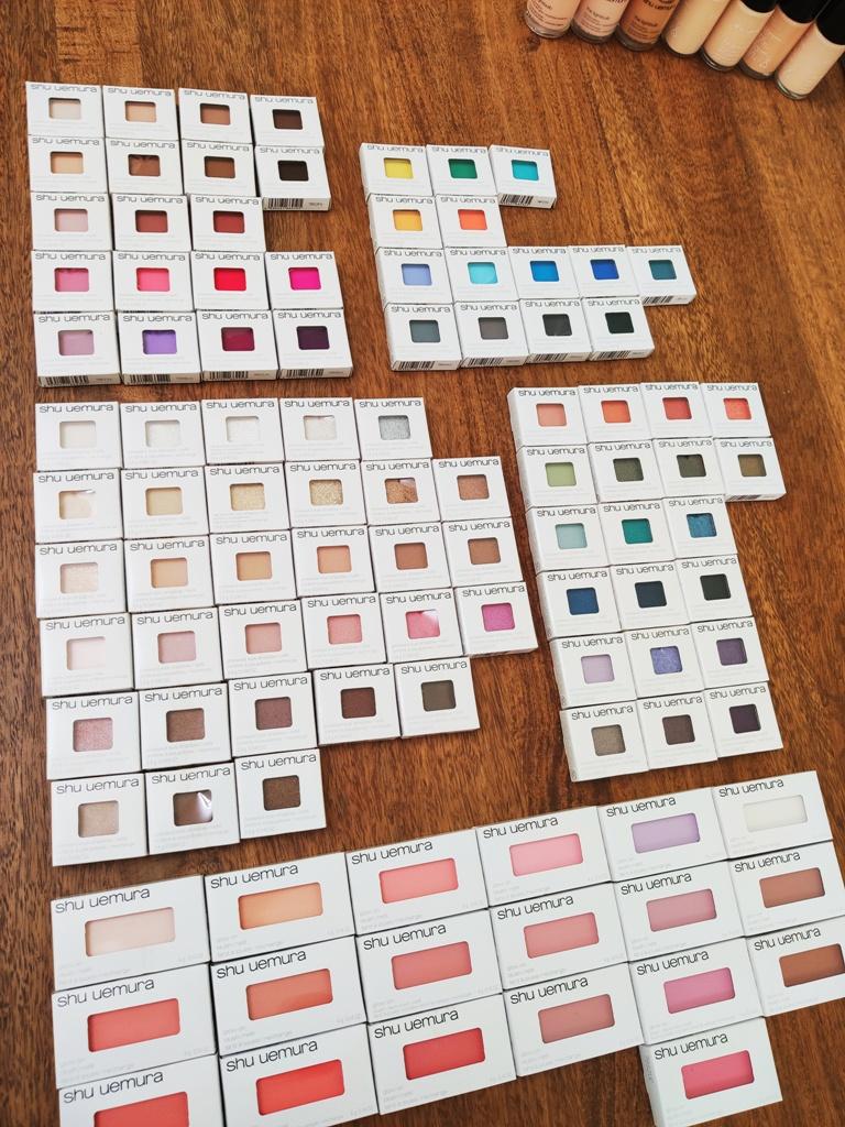 2019百貨週年慶採買 為了彩妝教學需要,加買了shu uemura植村秀84色眼影19色腮紅 全部包色了 需要出動兩名櫃員一起寫採購單 就知道有多瘋狂